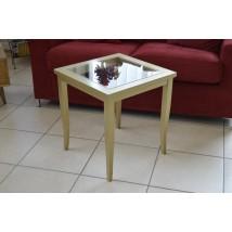 http://www.areem.com/2297-thickbox/tavolinetto-con-base-in-vetro-.jpg