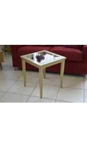 Tavolinetto con base in vetro